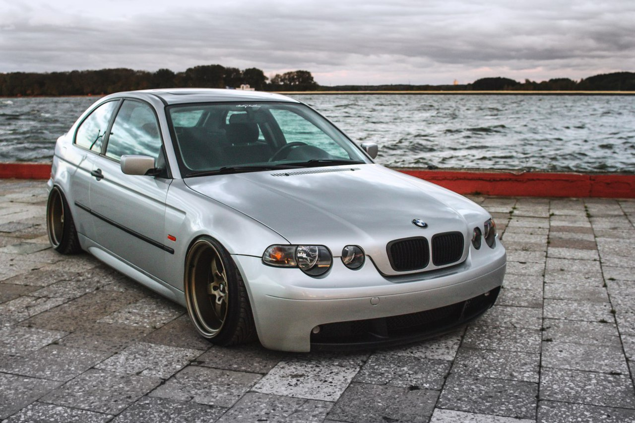 bmw e46 compact the ugly duck automotive tuner. Black Bedroom Furniture Sets. Home Design Ideas