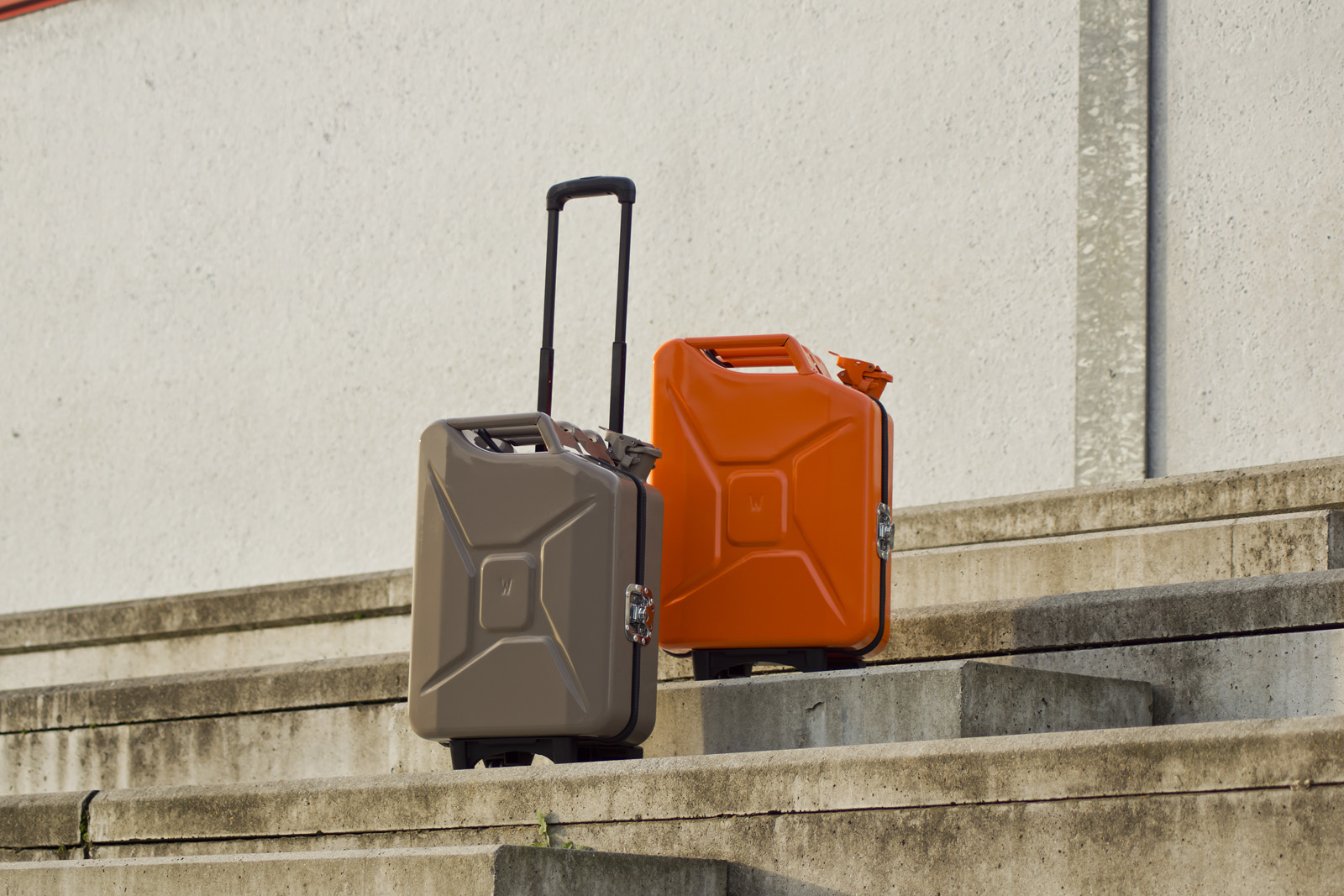 vintage-brown-orange-g-case-travelcase-luggage-jerrycan-2